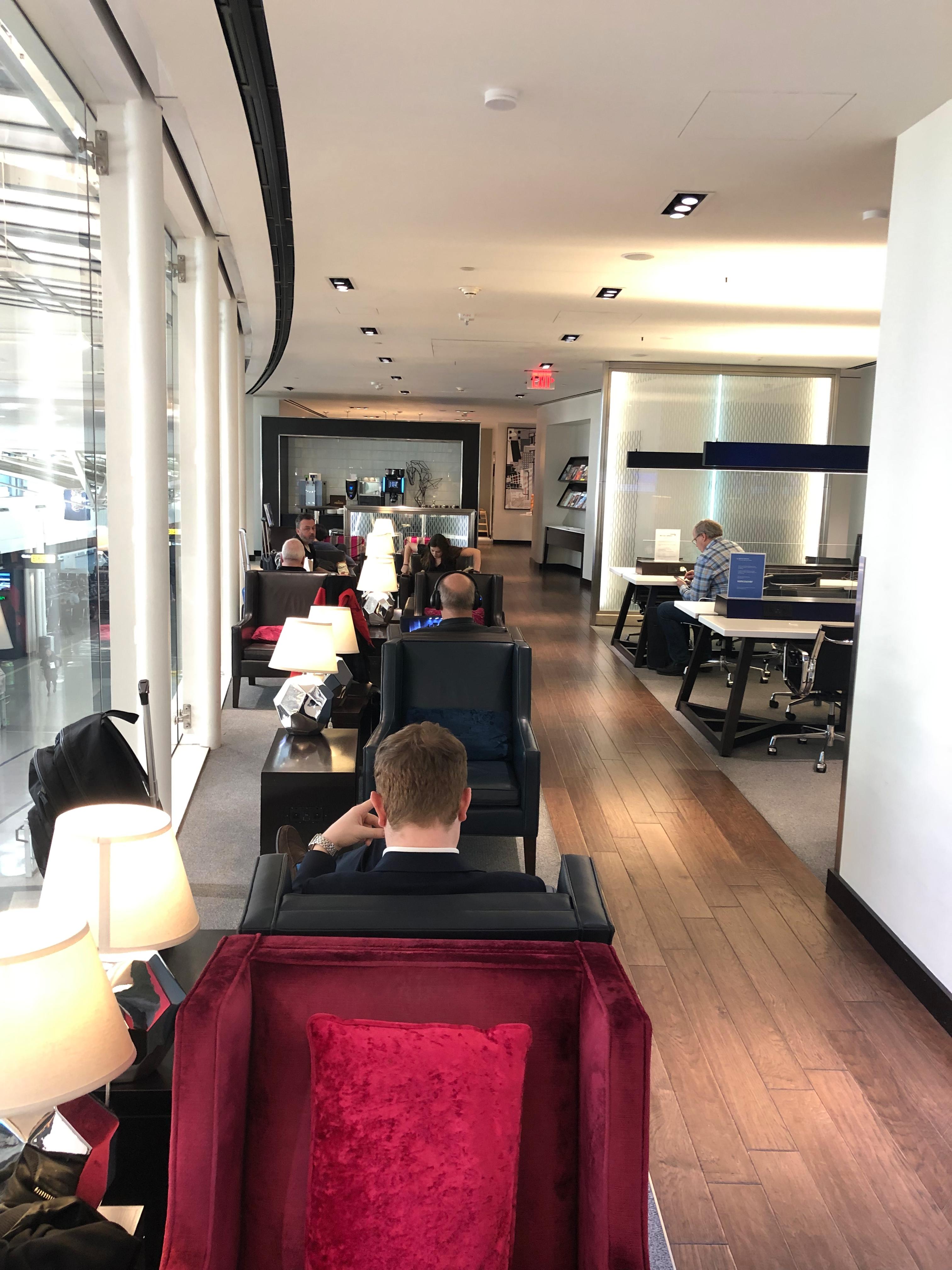 British Airways Galleries Lounge, Washington Dulles seating