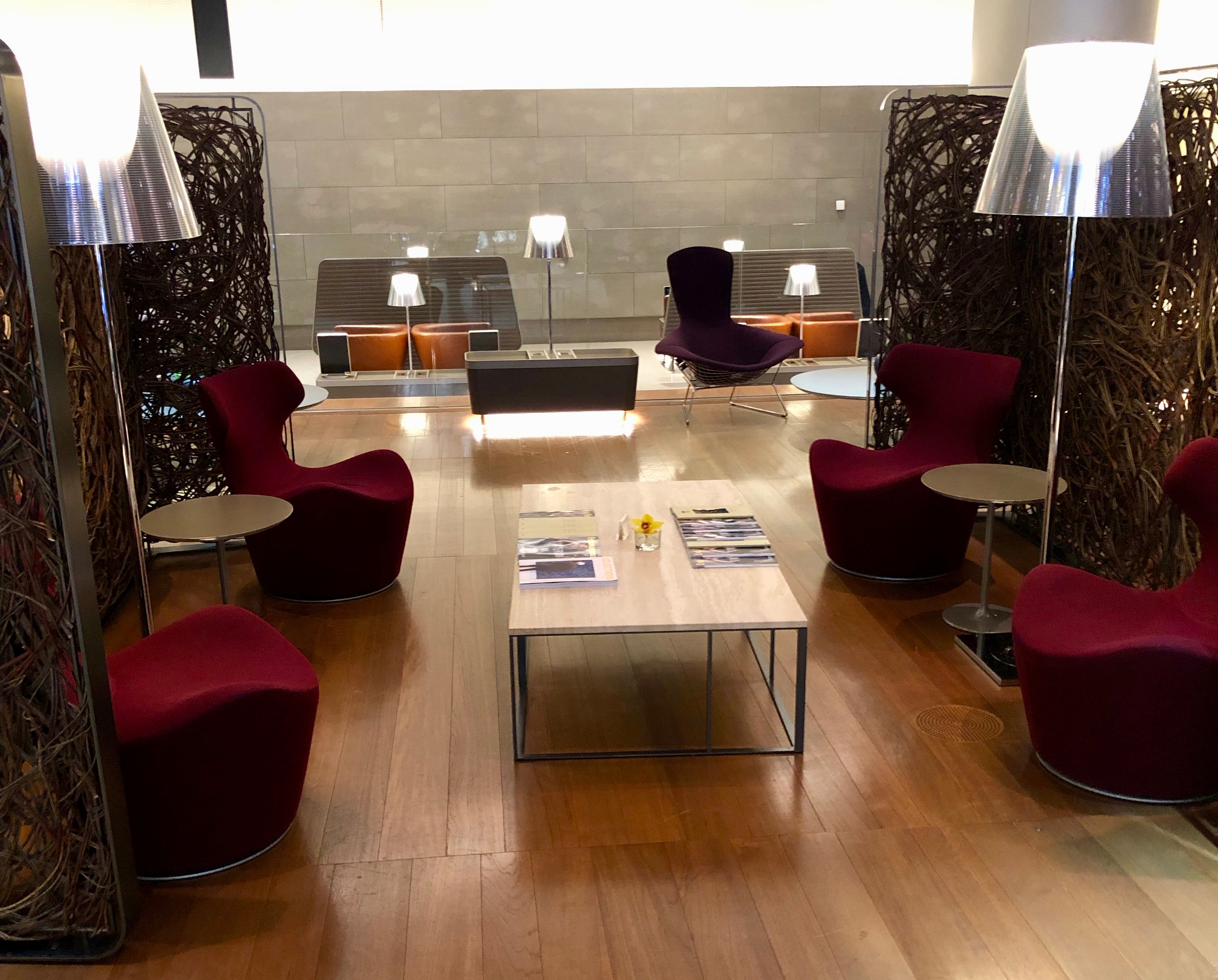 Qatar Airways Al Mourjan Business Class Lounge seating
