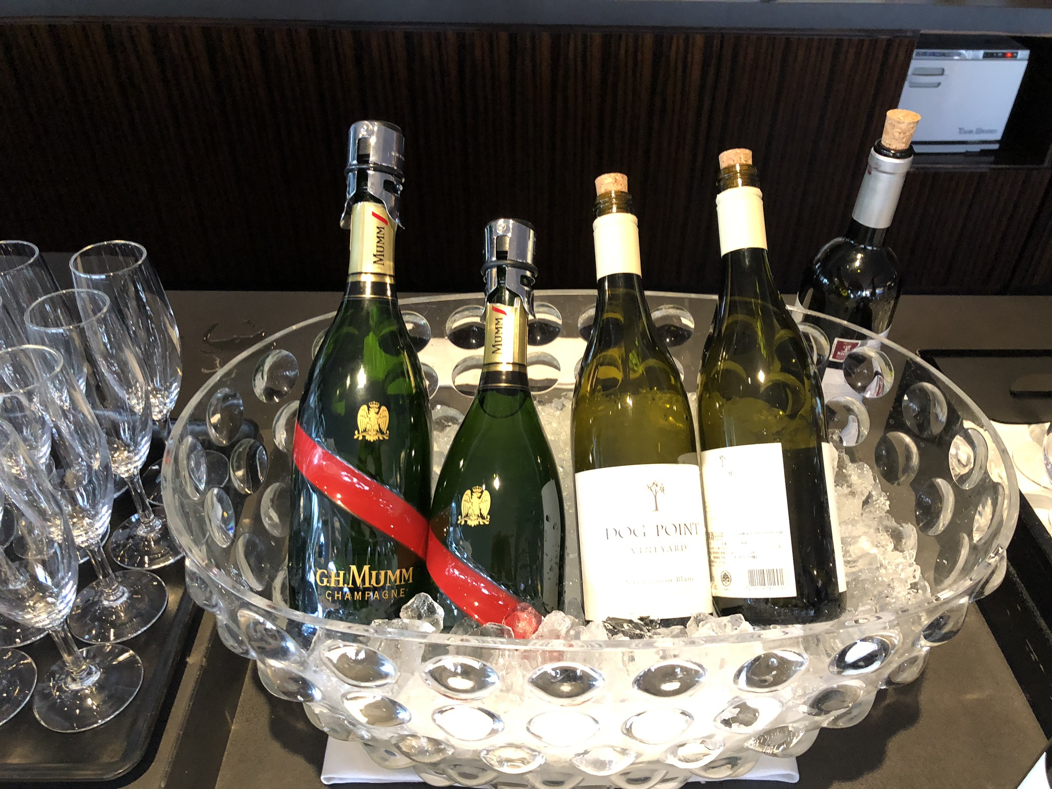 JAL First Class Lounge champagne and white wine