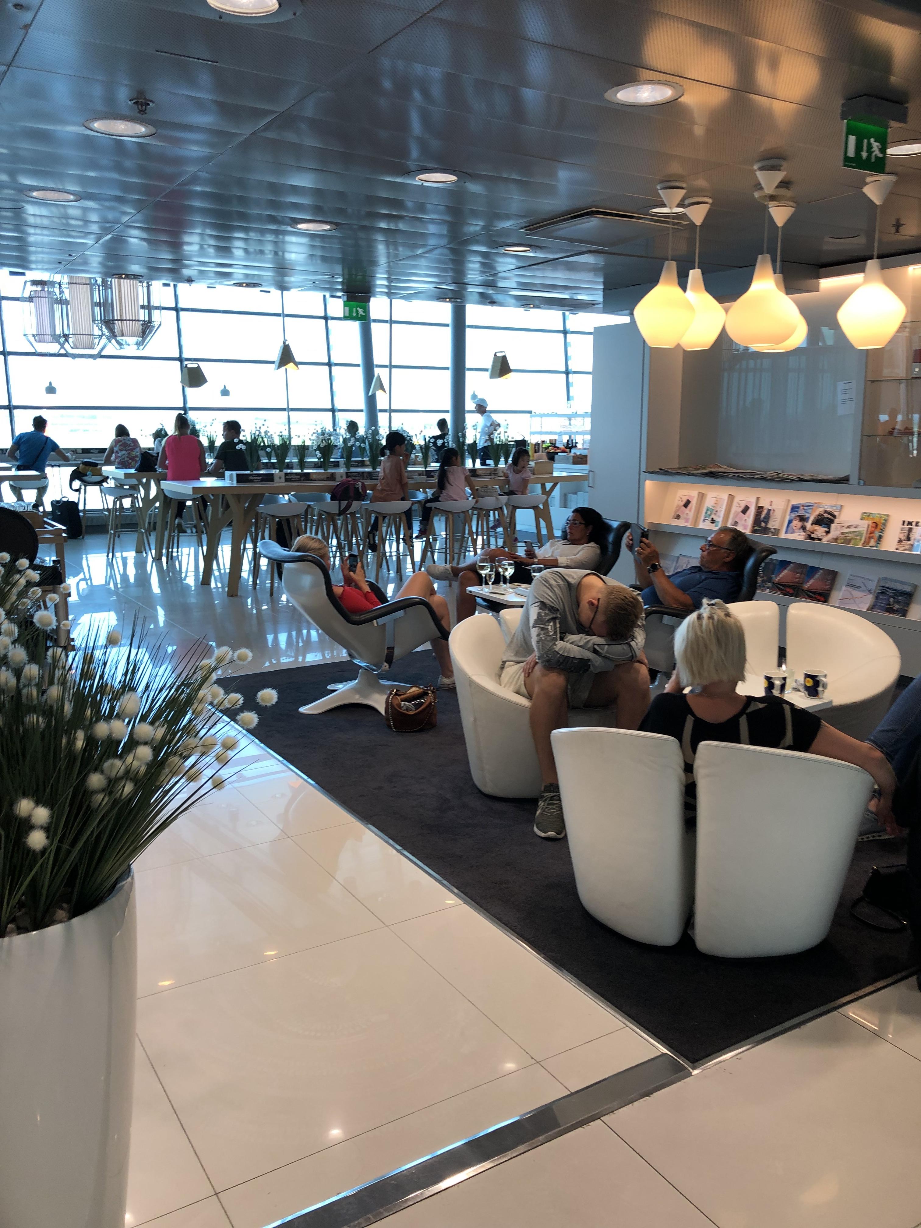 Finnair Business Class Lounge Helsinki main area