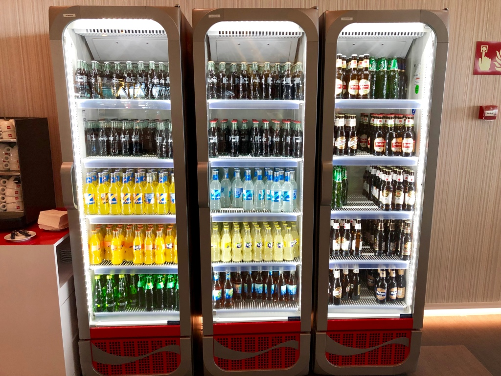 Iberia Dalí Premium Lounge Madrid soda and beer