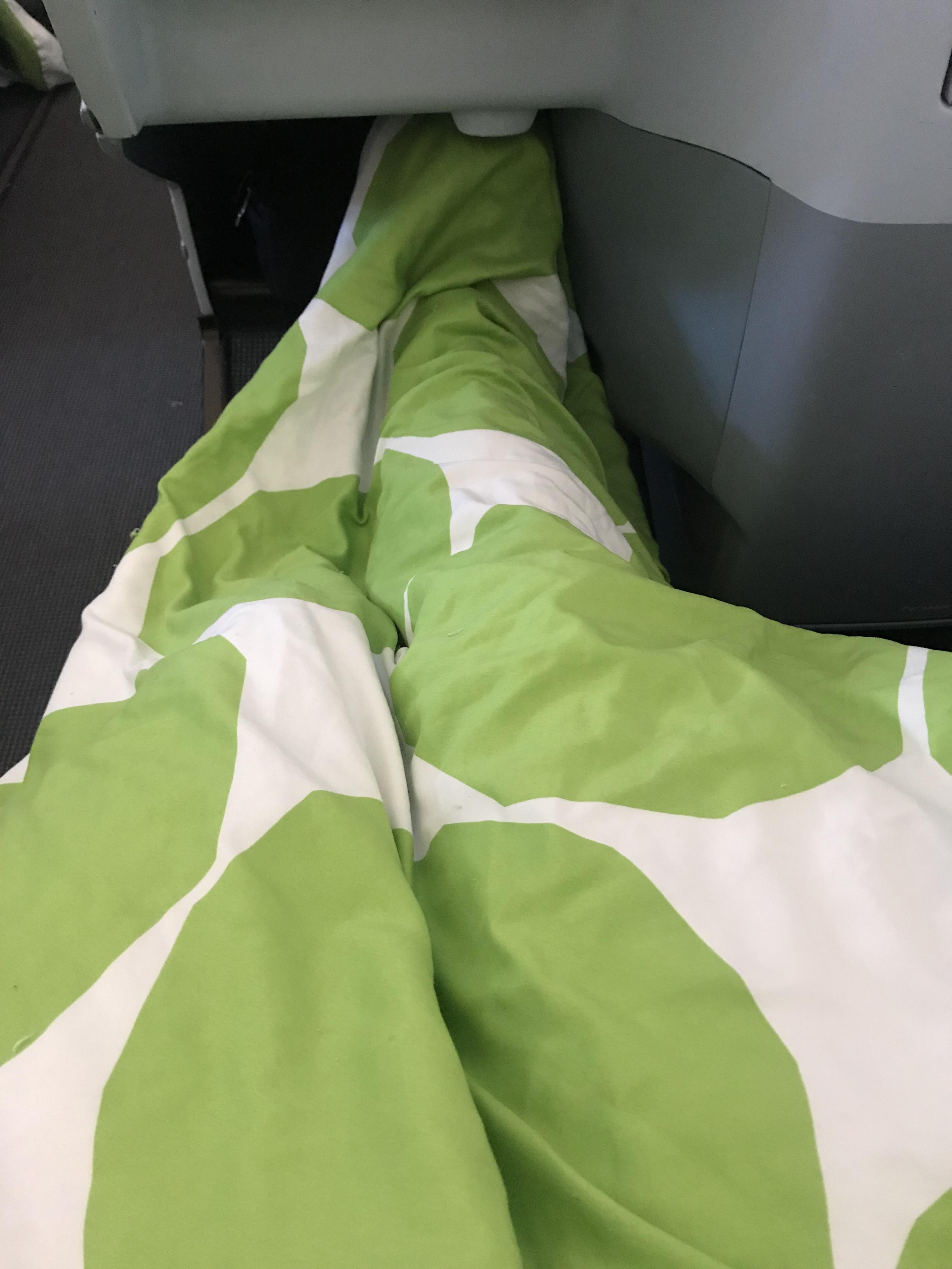 Finnair A330-300 business class blanket