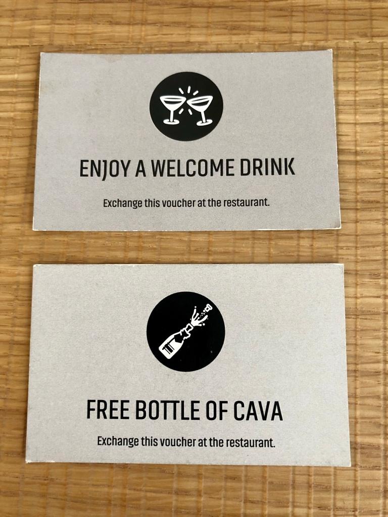 Nakar Hotel free cava