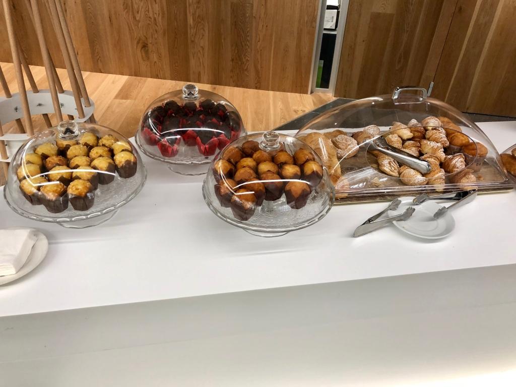 Sala VIP Formentor Palma de Mallorca pastries