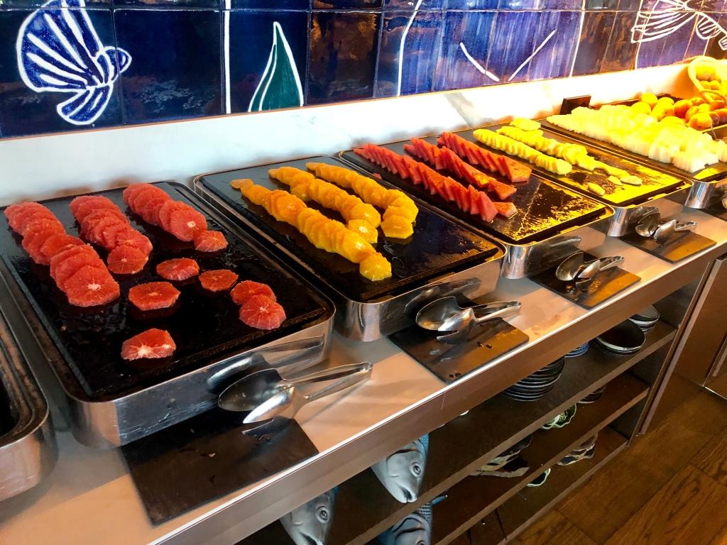 W Barcelona breakfast fruit
