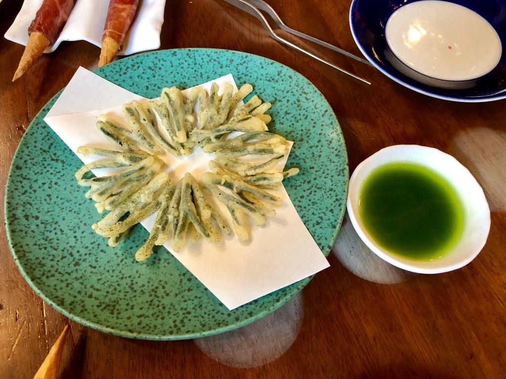 Tickets seaweed codium tempura with its vinaigrette