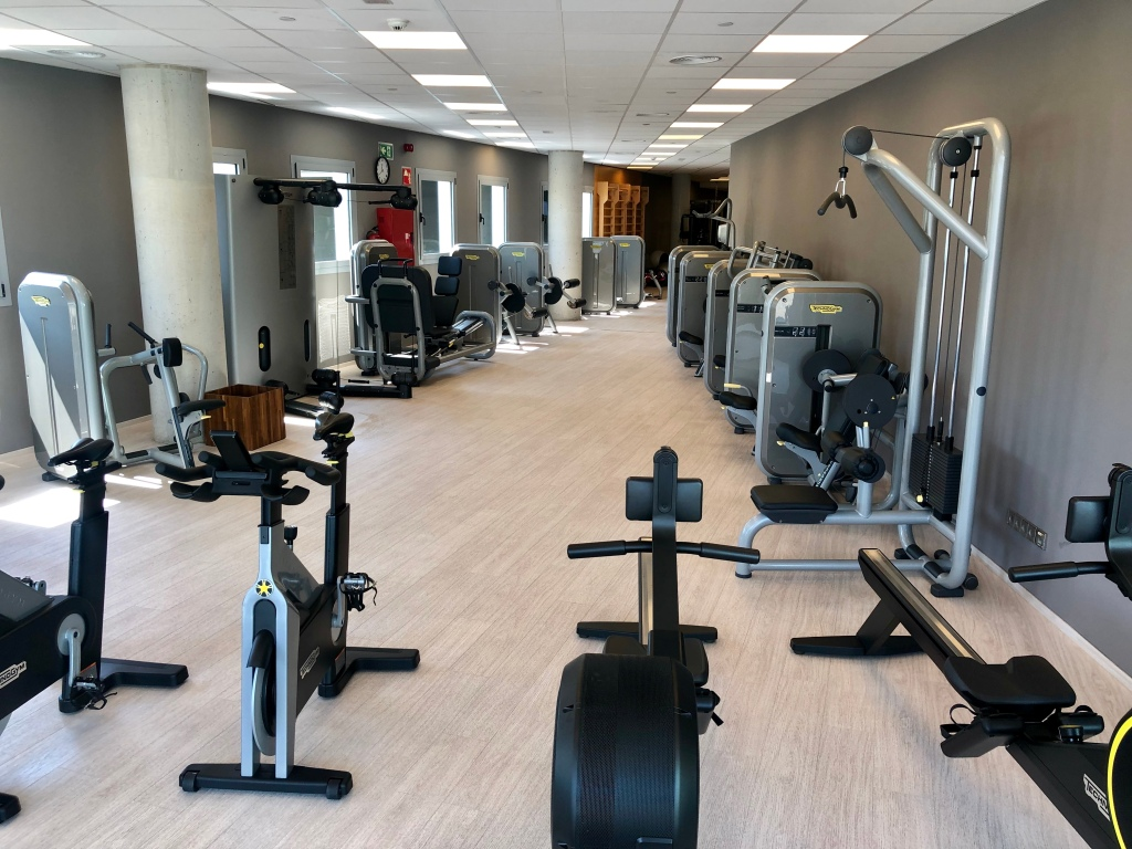W Barcelona FIT fitness center weight machines
