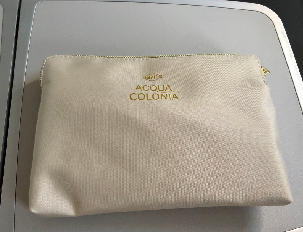 Acqua Colonia amenity kit