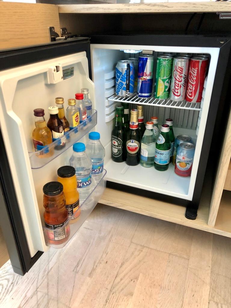 Minibar refrigerator
