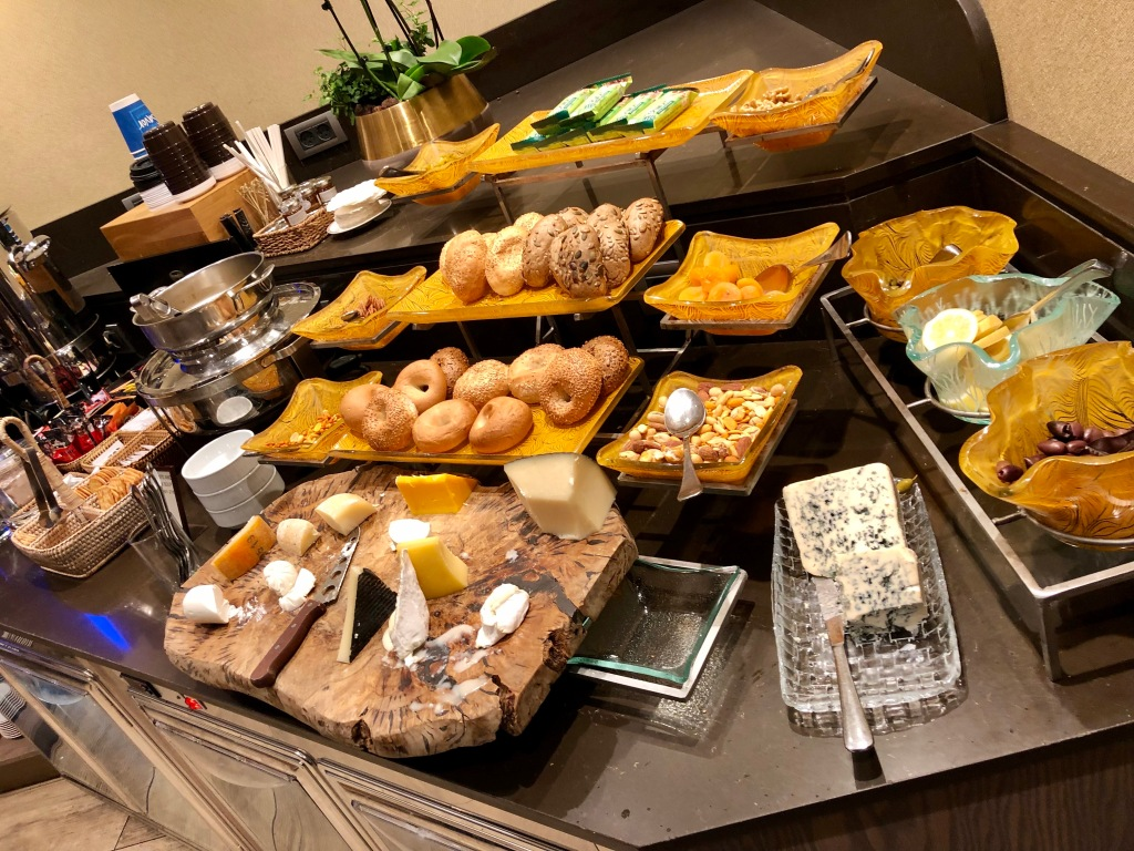 Executive Lounge bread and cheese