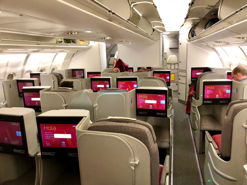 Iberia Airbus 330-200 business class cabin