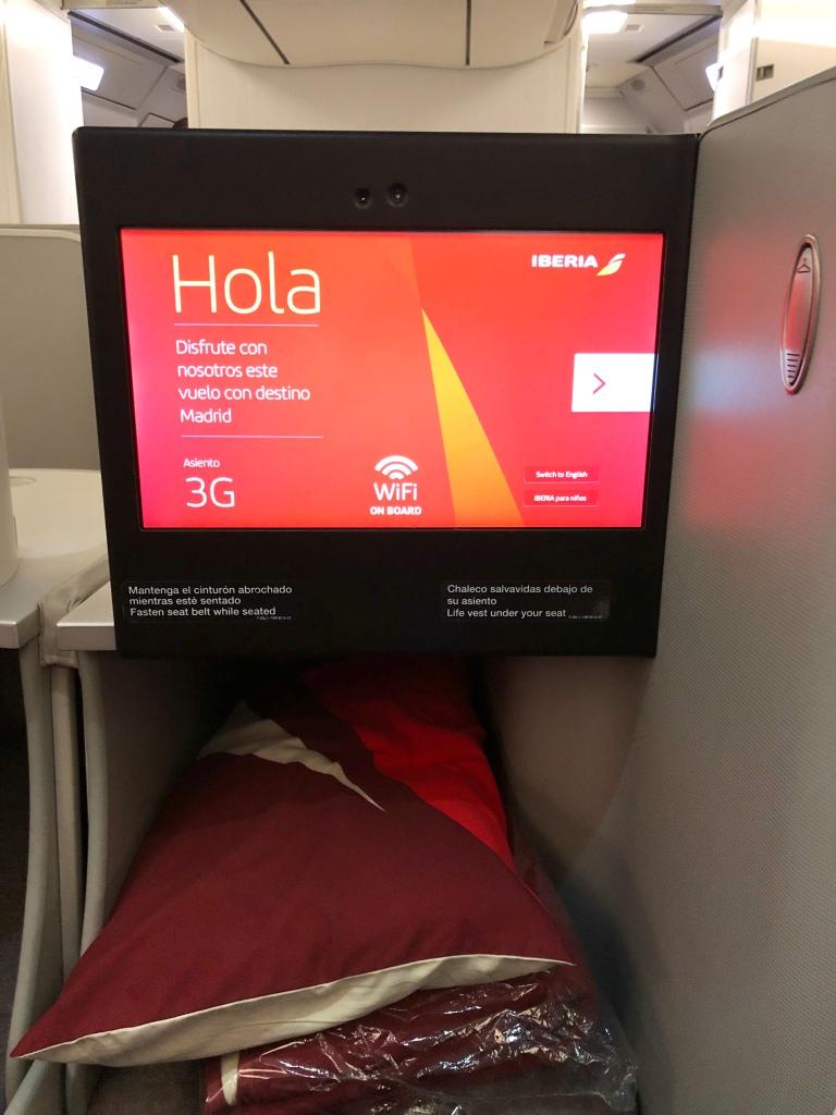 Iberia Airbus 330-200 business class IFE