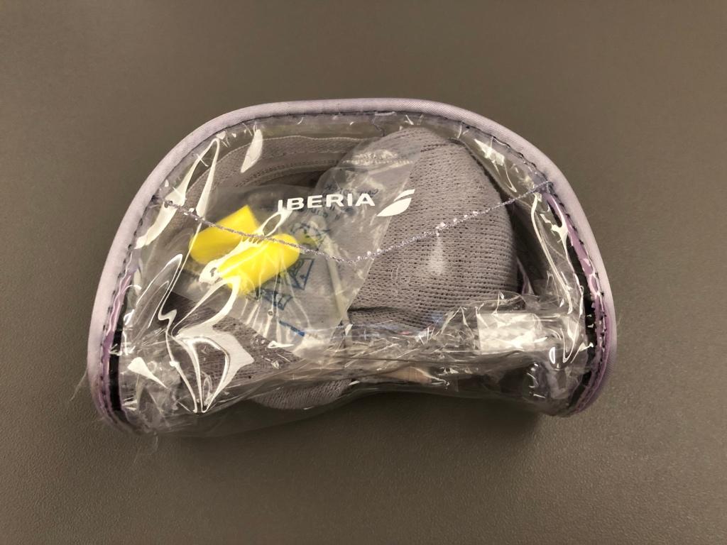 Iberia amenity kit