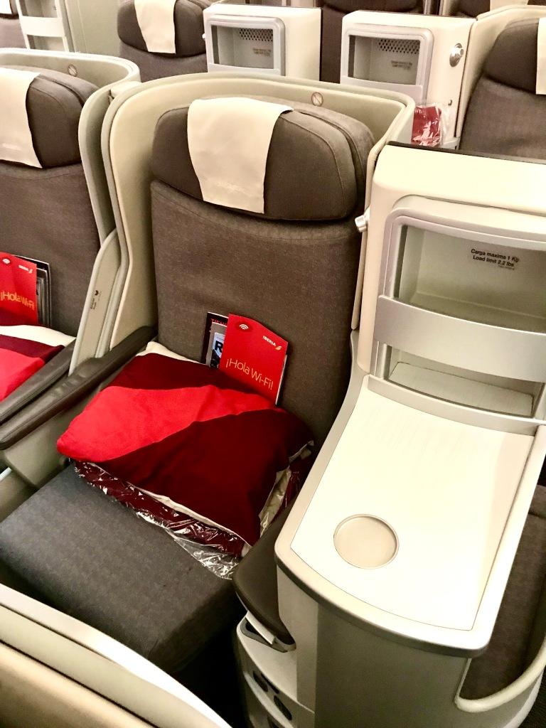 Seats 3E/G (front) Seats 4 D/H (rear)