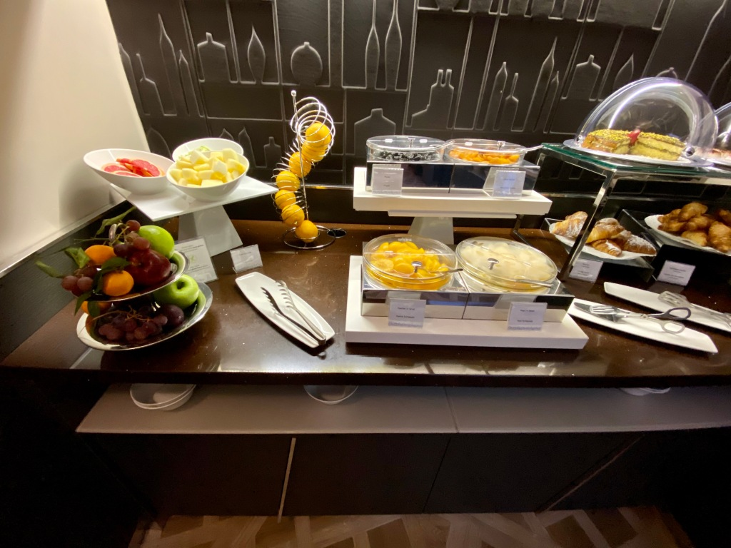 Breakfast buffet - fruit