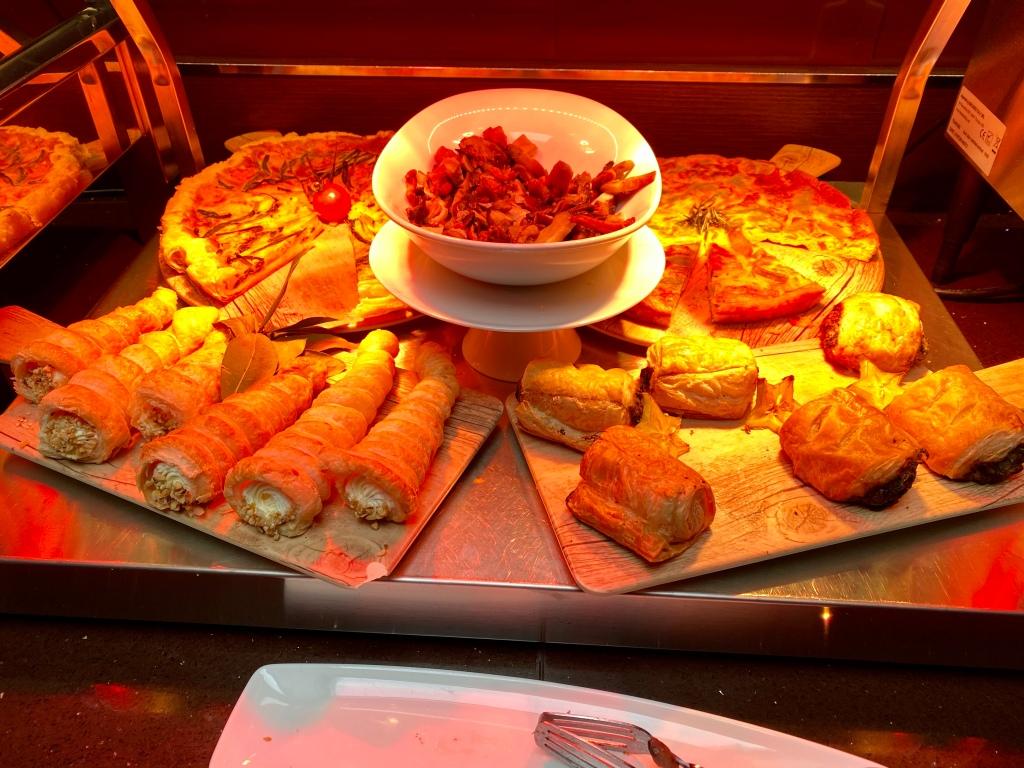 Breakfast buffet - hot food items