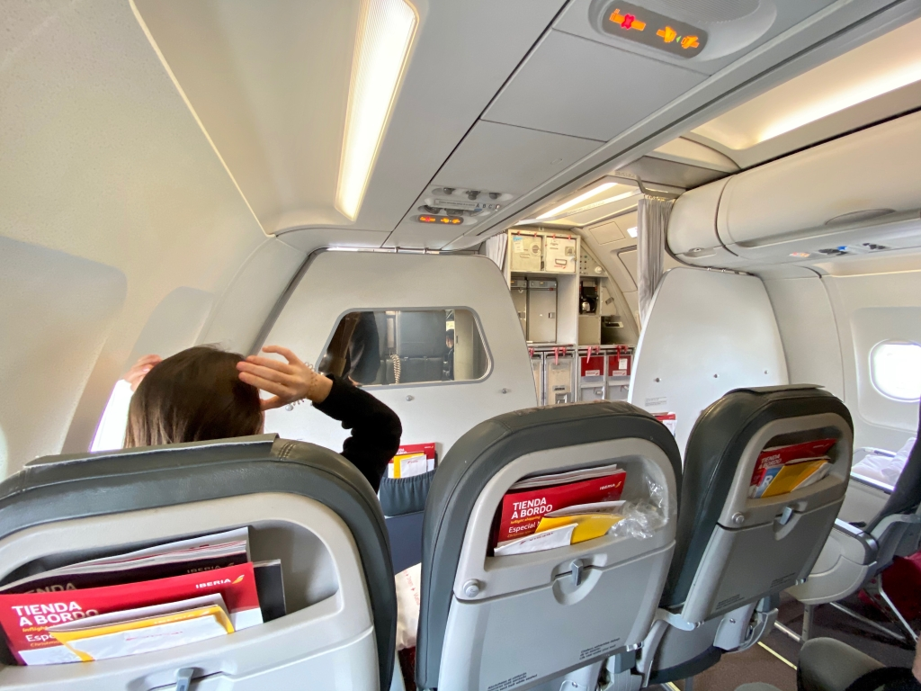 Aircraft: 319 (Airbus A319) Intra-European Business Class cabin