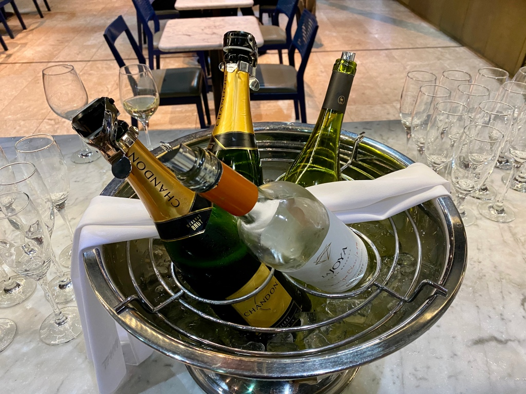 Chilled sparkling and white wine