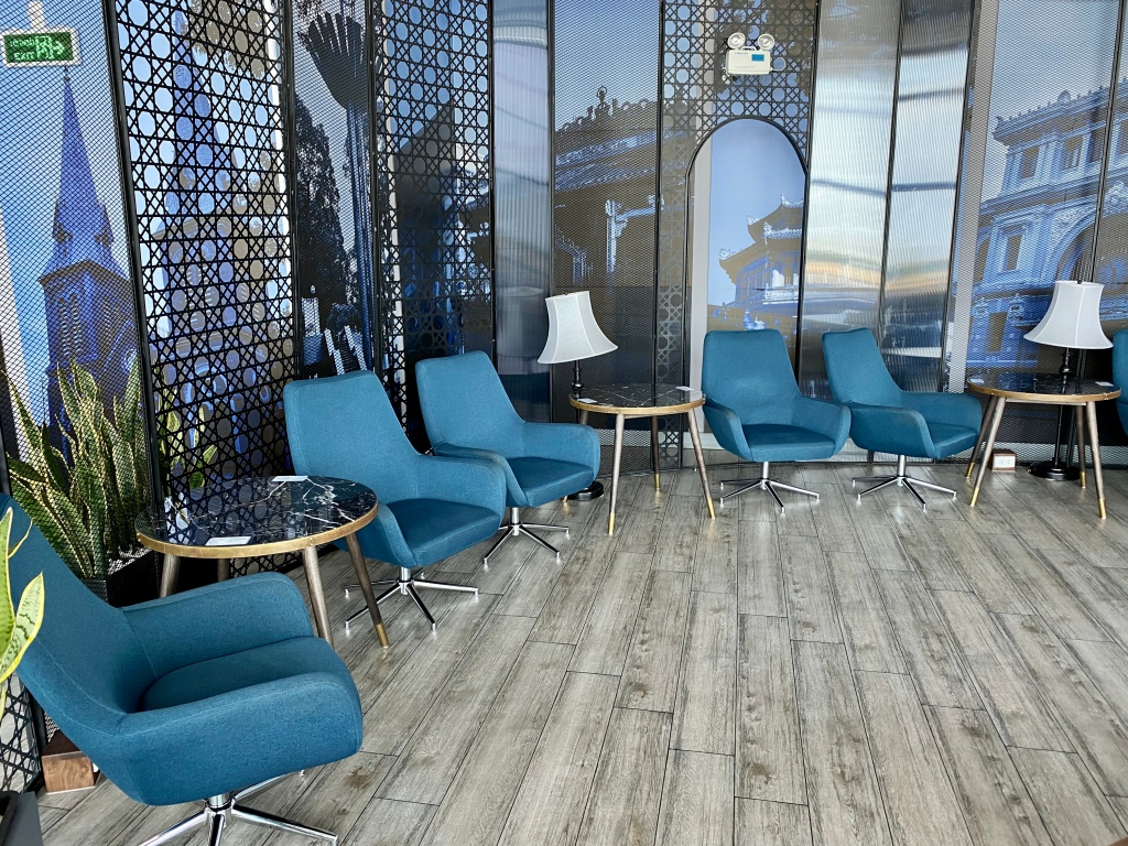 Le Saigonnais International Business Lounge seating area